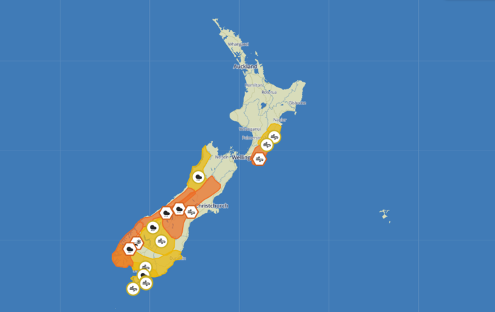 Thunderstorm, wind warnings in place around New Zealand