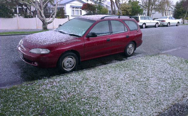 Hail and snow struck Lower Hutt and Wellington this afternoon.