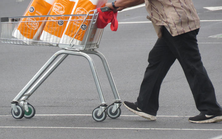 People stock up at the Countdown supermarket in Papatoetoe on day two of Auckland's third lockdown.