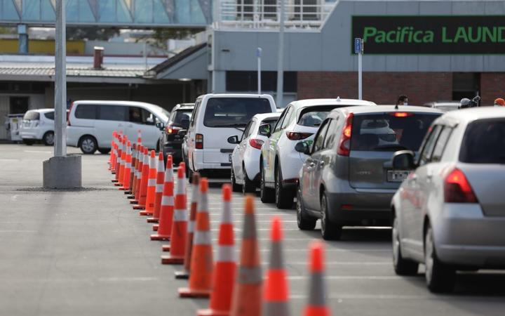 Lines of cars at Ōtara testing centre on Wednesday morning.