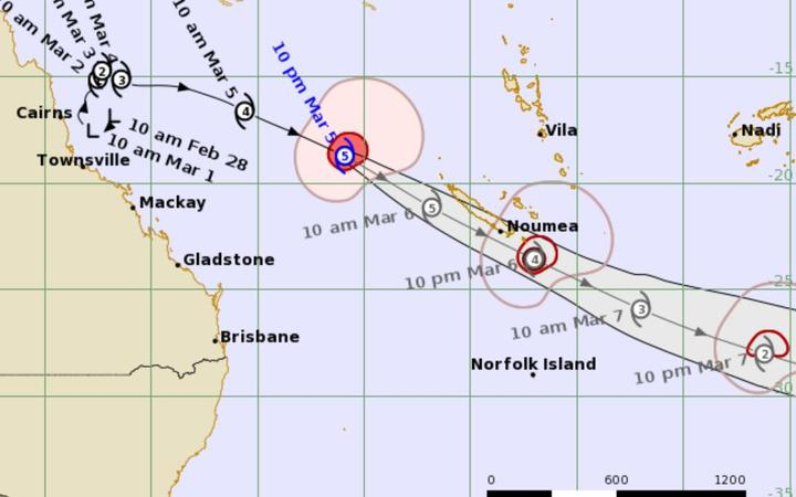 Extreme tropical storm heads to New Caledonia