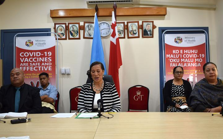 Minister of Health Hon Dr 'Amelia Tu'ipulotu and Acting Health CEO Dr Reynold 'Ofanoa. Vaiola Hospital, Tongatapu, 9 April 2021