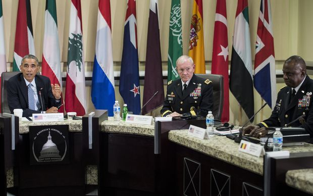 US President Barack Obama, left, with US Army General and Chairman of the Joint Chiefs of 