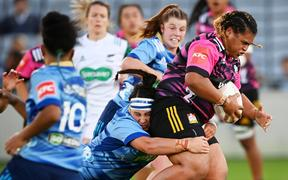 Chiefs prop Tanya Kalounivale on the charge