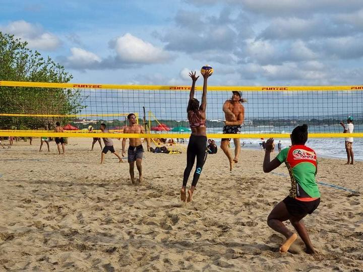 Vanuatu berpartisipasi dalam turnamen mini saat berada di Bali.