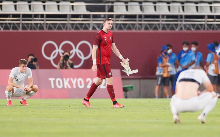 Michael Wood după meciul din Noua Zeelandă împotriva lui Hondolas, grupa masculină B la Jocurile Olimpice de la Tokyo din 2020, pe stadionul Ibaraki Kashima, Japonia, duminică, 25 iulie 2021.