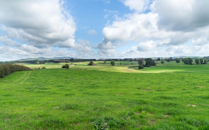 Cutting through the back paddock - 'isolated' border breach attempts