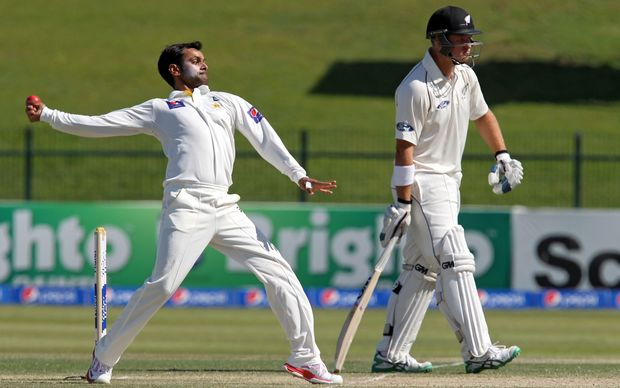 Mohammad Hafeez to undergo test on his bowling action