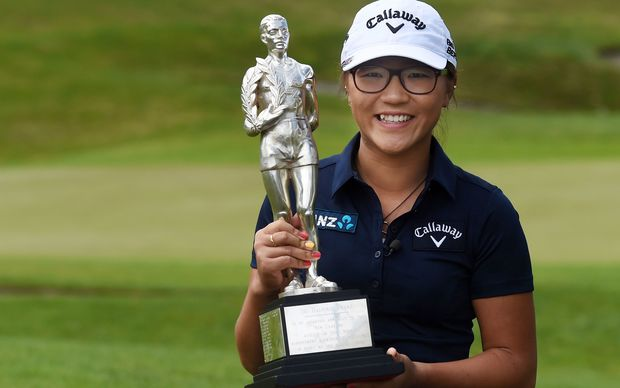 Lydia Ko, receiving last year's overall supreme Halberg Trophy.