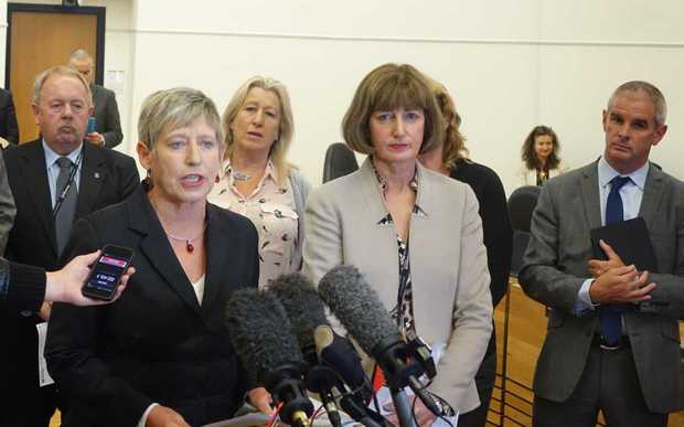 Lianne Dalziel speaks to reporters after today's meeting.