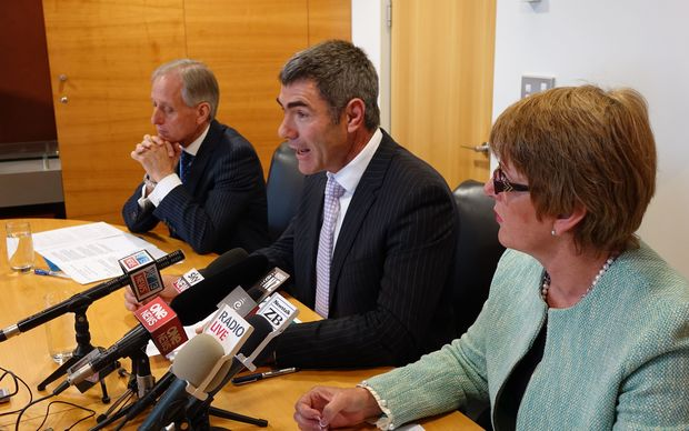 MPI chief executive Martyn Dunne (left), Primary Industries Minister Nathan Guy and Food Safety Minister Jo Goodhew.