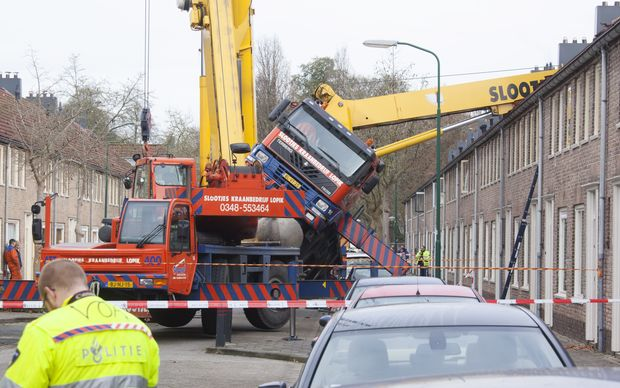 A picture taken on 13 December 2014 (local time) in IJsselstein shows the crane crash.