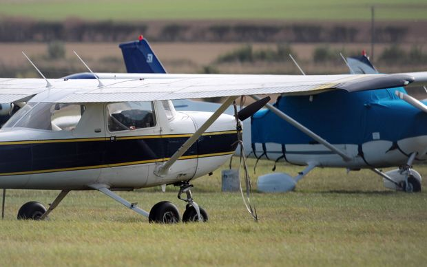 Coroner Ian Smith has highlighted a lack of regulation at small aerodromes in New Zealand.