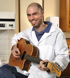A photo of Matthew Barnett the Singing Scientist
