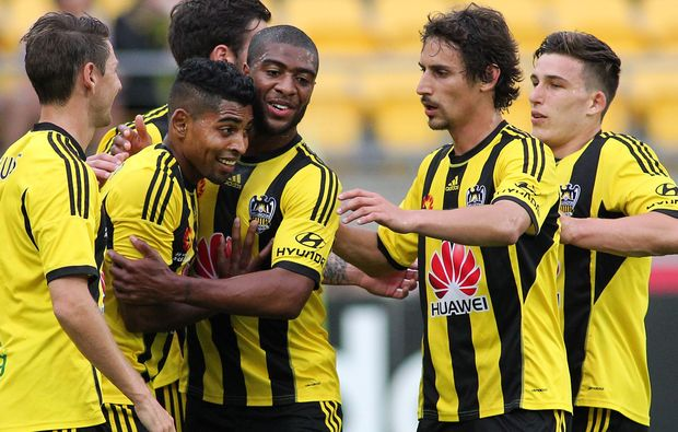 Wellington Phoenix celebrate Roy Krishna's goal against Western Sydney Wanderers.