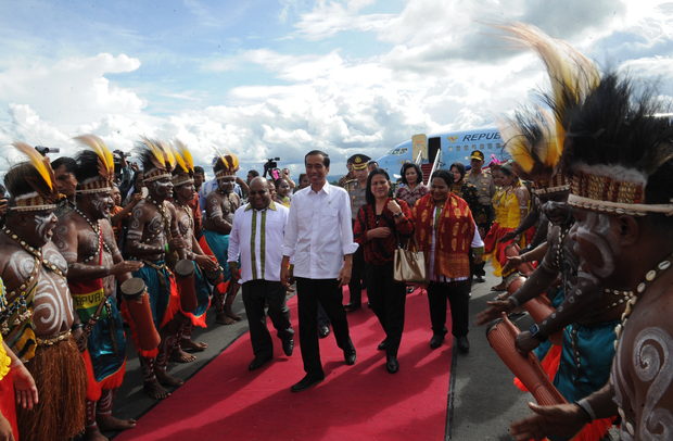 President Joko Widodo is welcomed to Jayapura, the capital of Papua