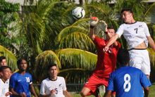 New Zealand take on Samoa at the Oceania Under 17 Football Championship.