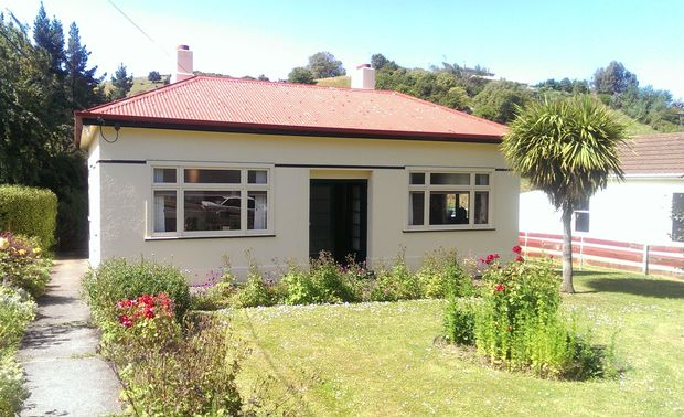 About 400 people each season have visited Janet Frame's family home in Oamaru since it was opened to the public in 2005.