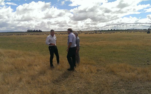 The Minister for Primary Industries Nathan Guy meets farmers in Ashburton