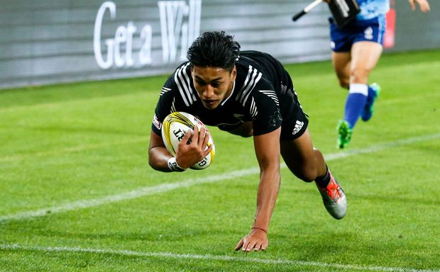 Rieko Ioane scores a try in the All Black Sevens win over England in Wellington 2015.