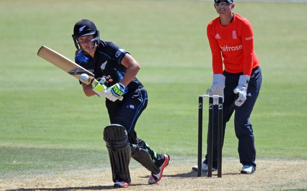 Morna Neilsen batting for the White Ferns against England