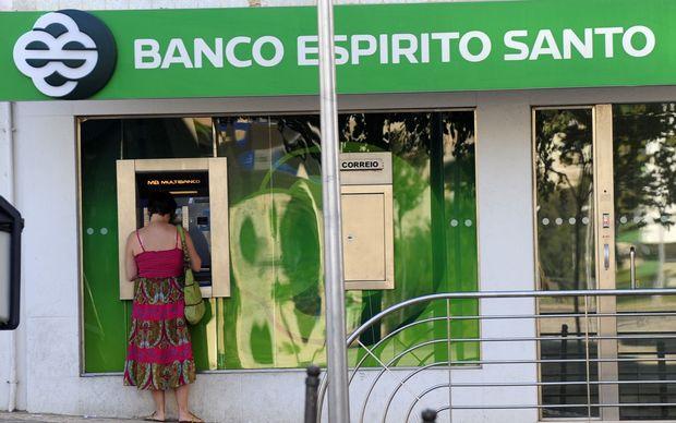 Super fund biggest loser in bank collapse rnz news for Banco espirito santo oficinas