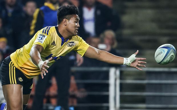 The Hurricanes wing Julian Savea in action.