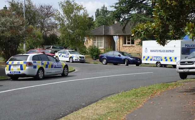 Police continue fatal shooting inquiry | RNZ News