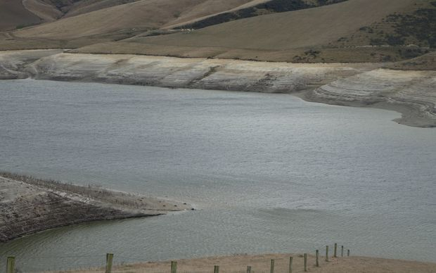 Scientists damn water storage claims