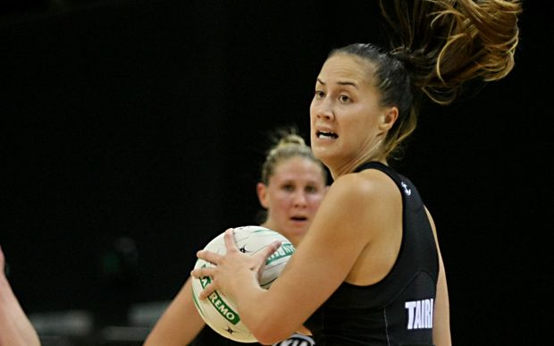 The Waikato Bay of Plenty Magics' Courtney Tairi looks to pass the ball in the ANZ Championship.