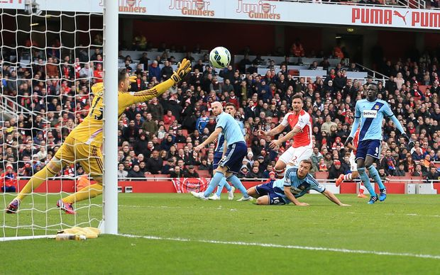 Olivier Giroud lashed in an unstoppable left-footed shot into the far corner to open the scoring