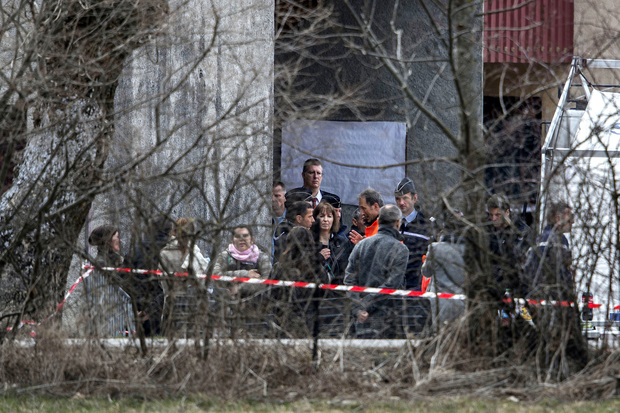 Relatives of the Germanwings Airbus A320 crash victims arrive in Seyne-les-Alpes on 26 March, two days after the Germanwings Airbus A320 smashed into the French Alps, killing all 150 people on board.