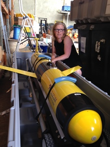 Oceanographer Joanne O'Callaghan takes delivery of the Slocum Glider at NIWA's Greta Point base, Wellington.