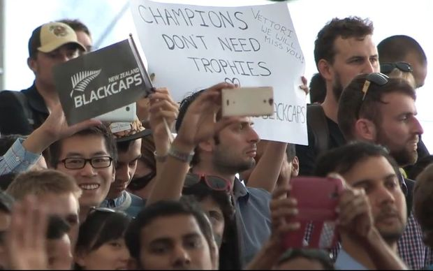 Fans at The Cloud welcome the Black Caps back to New Zealand.