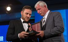 Brendon McCullum receives Sir Richard Hadlee Award 2015.