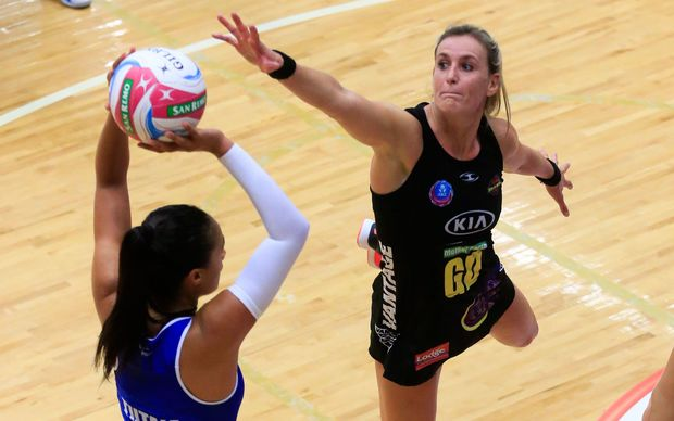 Silver Ferns team-mates Maria Tutaia (R) and Leana de Bruin go head to head