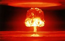 60 New Zealand MPs have called on the world's nuclear powers to disarm.