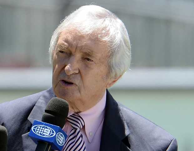 Legendary Australian cricketer and commentator Richie Benaud hosts a talk-show during the lunch break on the fourth day of the third cricket Test match between Australia and Sri Lanka at the Sydney Cricket Ground on January 6, 2013.