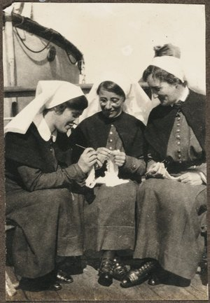 New Zealand nurses on board HMHS Egypt.