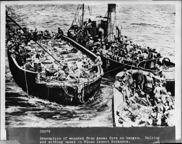 Evacuation of the wounded from ANZAC Cove in Gallipoli by boat.