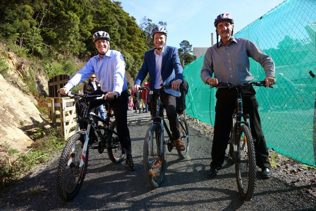 Prime Minister John Key, Green Party co-leader Russel Norman and Far North Mayor John Carter.