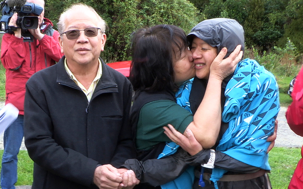 Susan O'Brien (left) Mother Maggie Khoo (middle) father Andrew Khoo