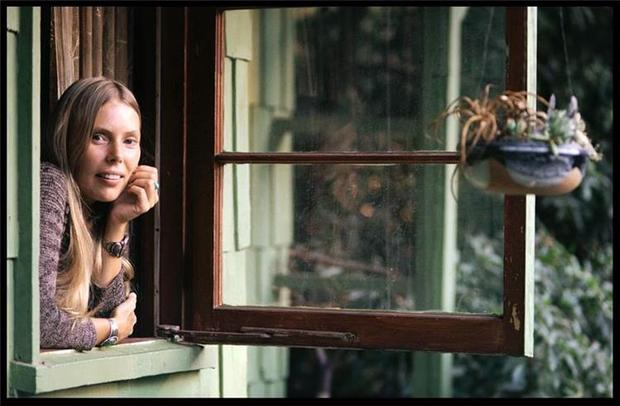 Joni Mitchell, Laurel Canyon, CA, 1970