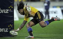 Ma'a Nonu scores against the Chiefs 2015.