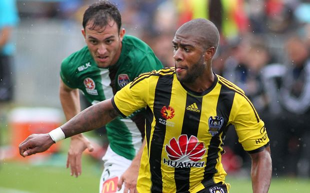 Roly Bonnevacia has signed on for two more years with the Wellington Phoenix.