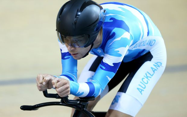 The New Zealand cyclist Aaron Gate competing.