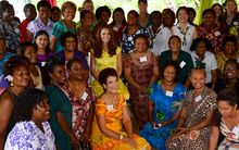 The Duchess of Cambridge poses with women from NGOs in Solomon Islands.