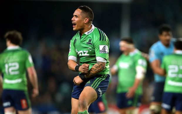Aaron Smith celebrates the Highlanders' Super Rugby Semi Final win.