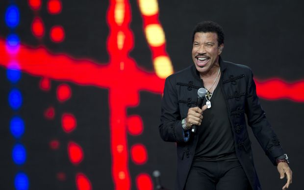 Lionel Richie drew a record crowd on Sunday at Glastonbury.