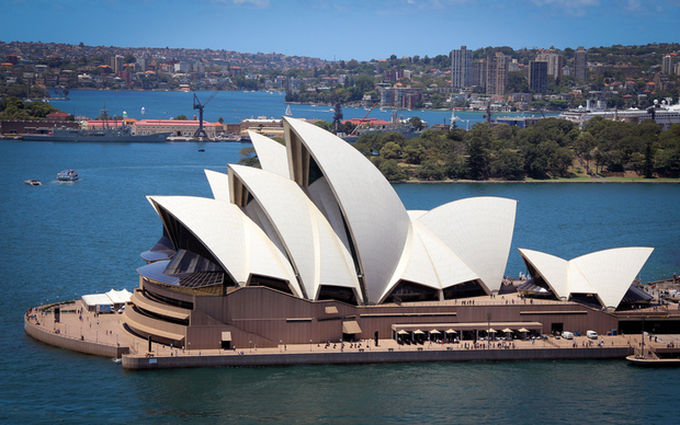 Photo of Sydney Harbour from pixabay.com